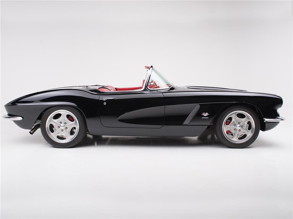 1961 CHEVROLET CORVETTE CUSTOM CONVERTIBLE - Side Profile - 178484