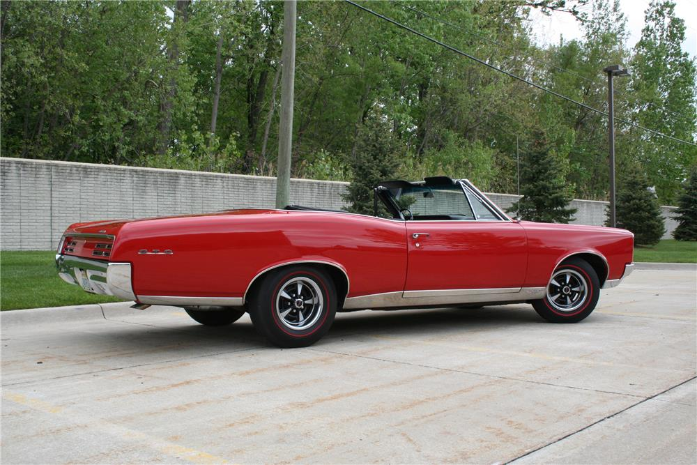 1967 PONTIAC GTO CONVERTIBLE - Side Profile - 178487
