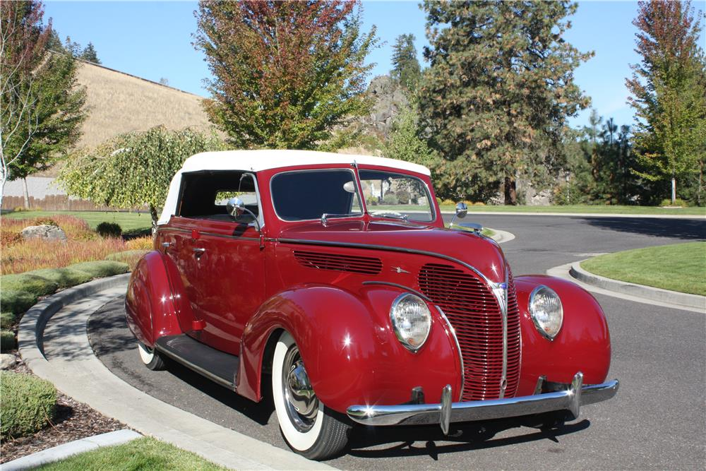 1938 FORD DELUXE CUSTOM CONVERTIBLE SEDAN - Front 3/4 - 178490