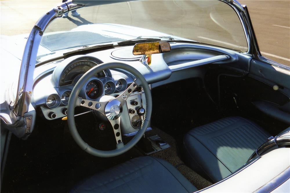 1958 CHEVROLET CORVETTE CUSTOM CONVERTIBLE - Interior - 178522