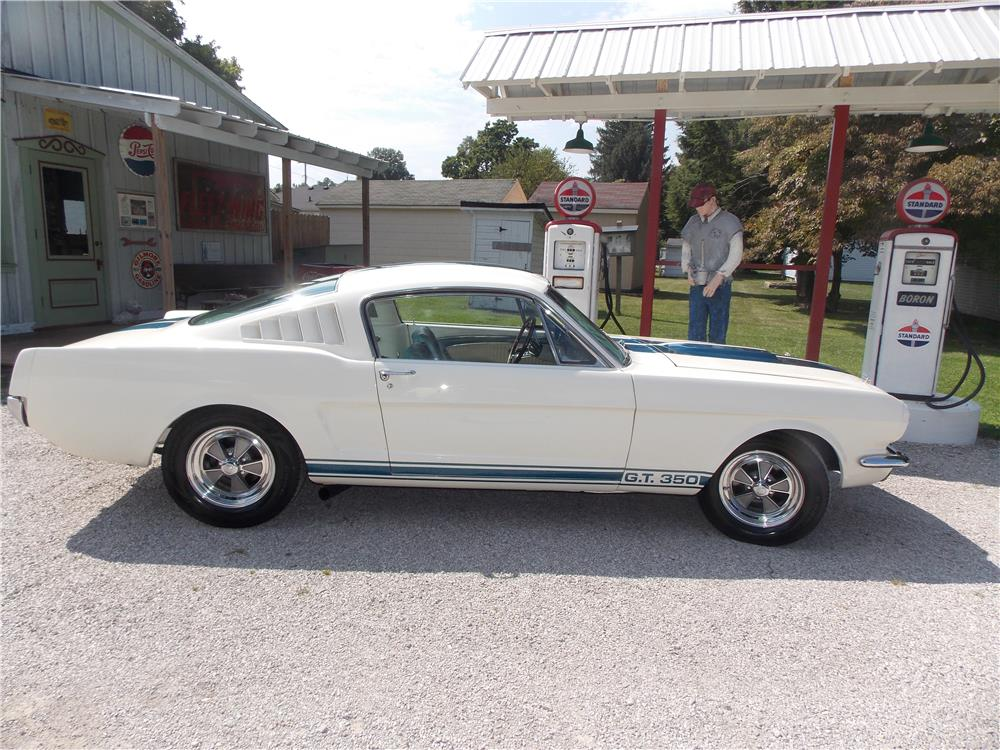 1965 FORD MUSTANG CUSTOM FASTBACK - Side Profile - 178526