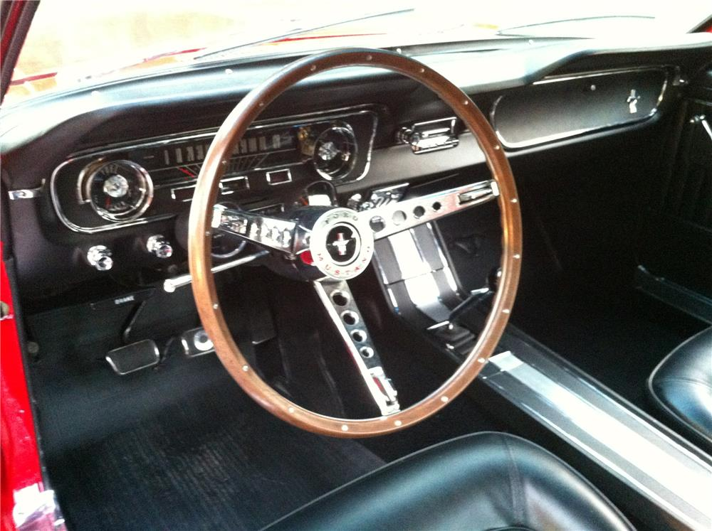 1965 FORD MUSTANG FASTBACK - Interior - 178527
