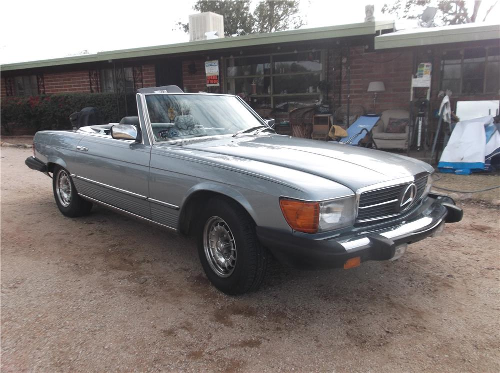 1984 MERCEDES-BENZ 380SL CONVERTIBLE - Front 3/4 - 178533