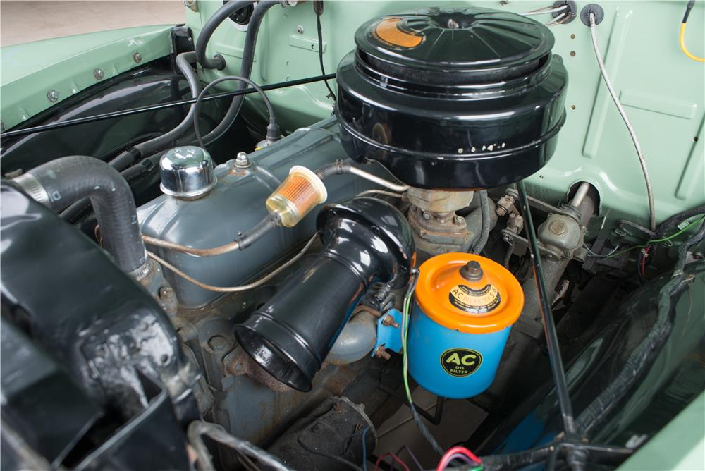 1952 CHEVROLET SUBURBAN STATION WAGON - Engine - 178538