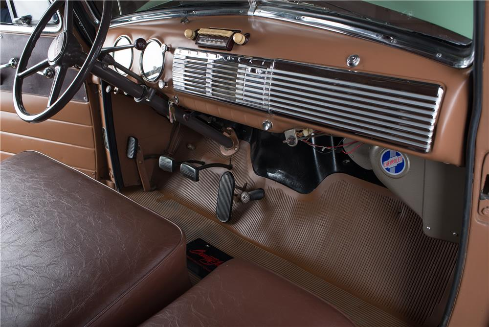 1952 CHEVROLET SUBURBAN STATION WAGON - Interior - 178538