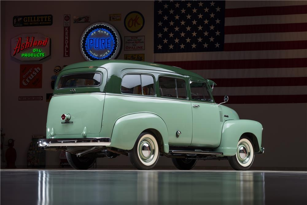 1952 CHEVROLET SUBURBAN STATION WAGON - Rear 3/4 - 178538