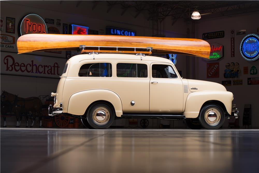 1953 CHEVROLET SUBURBAN CARRYALL - Side Profile - 178539