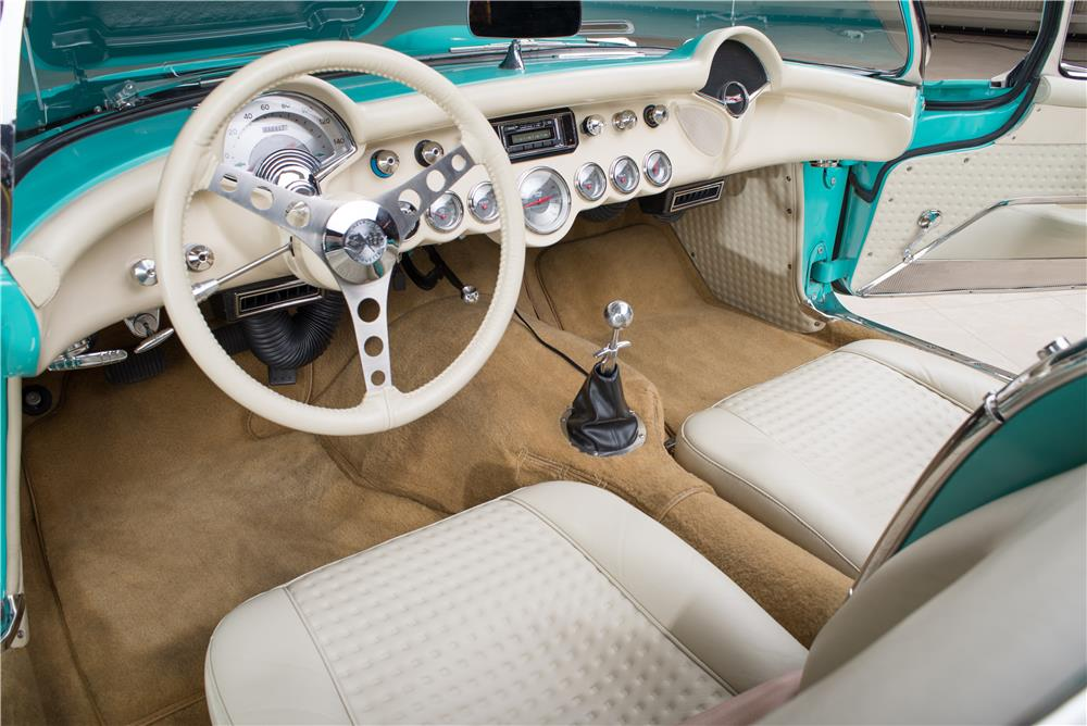 1957 CHEVROLET CORVETTE CUSTOM CONVERTIBLE - Interior - 178542