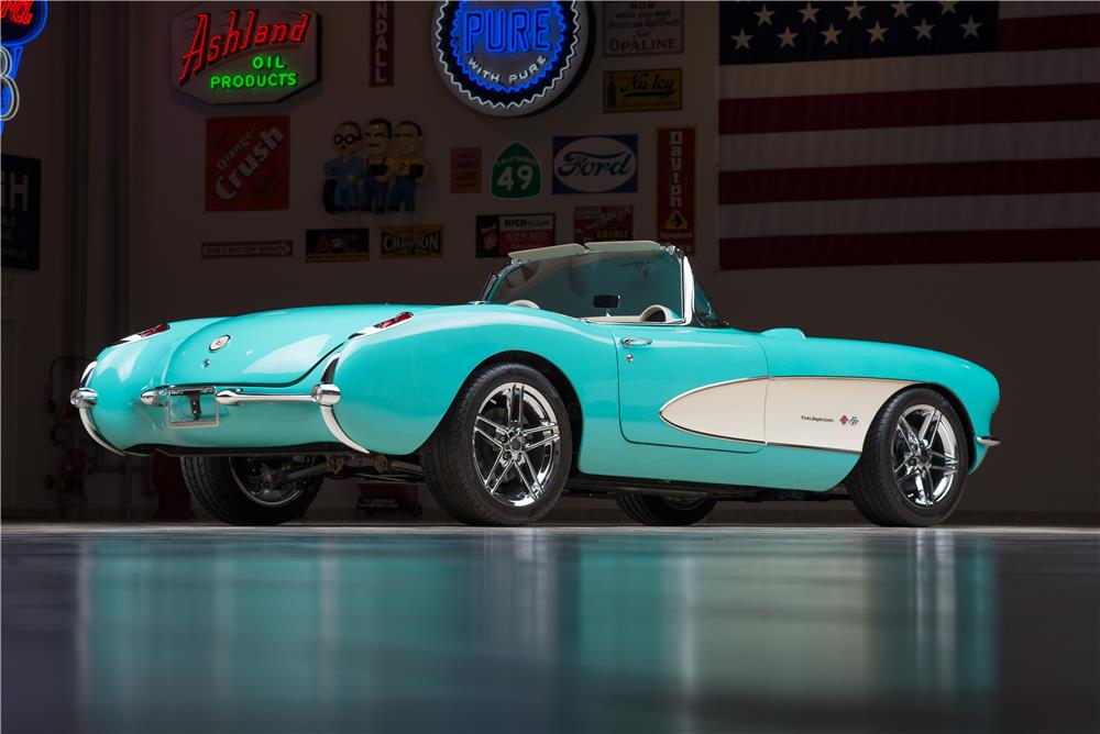 1957 CHEVROLET CORVETTE CUSTOM CONVERTIBLE - Rear 3/4 - 178542