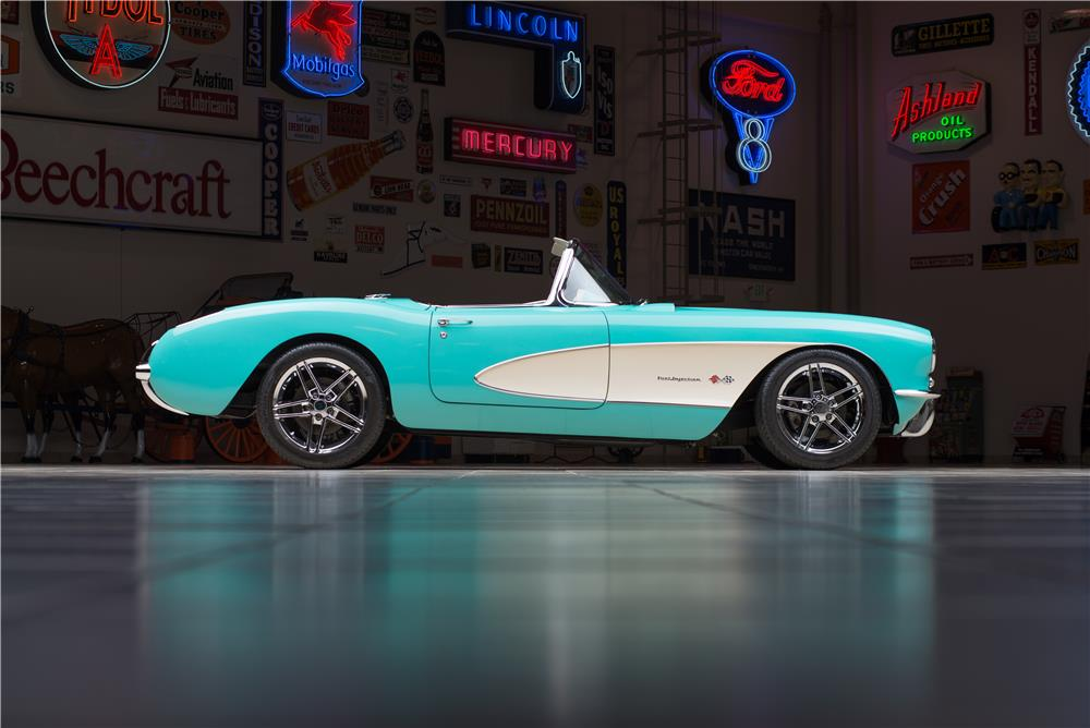 1957 CHEVROLET CORVETTE CUSTOM CONVERTIBLE - Side Profile - 178542