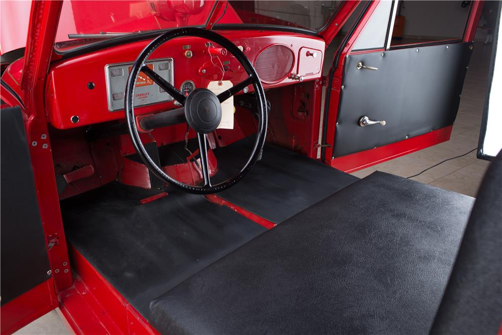 1951 CROSLEY HOOK AND LADDER FIRETRUCK - Interior - 178554