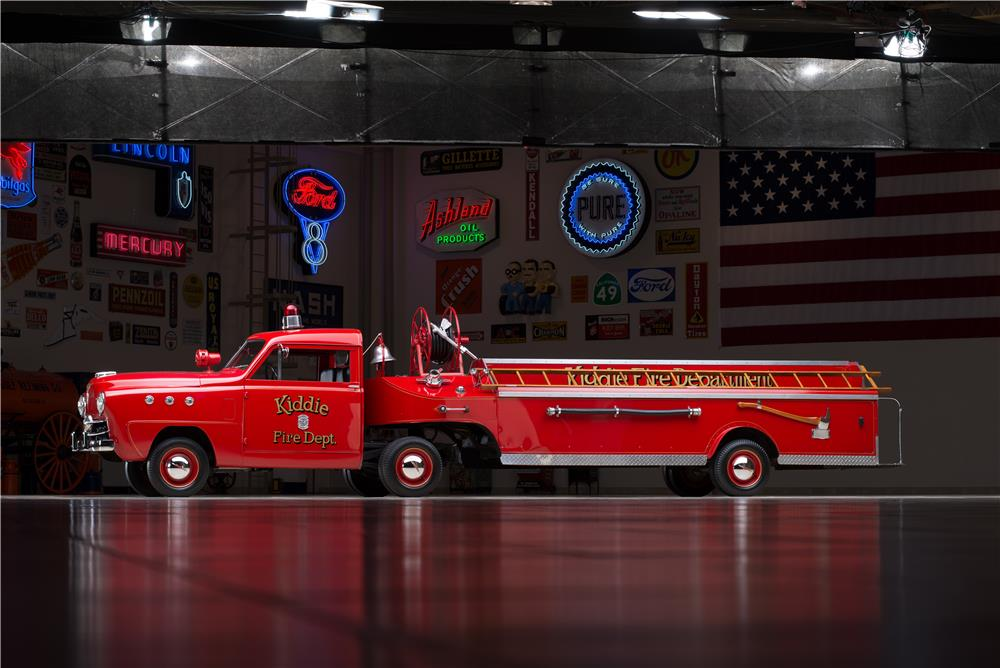 1951 CROSLEY HOOK AND LADDER FIRETRUCK - Side Profile - 178554