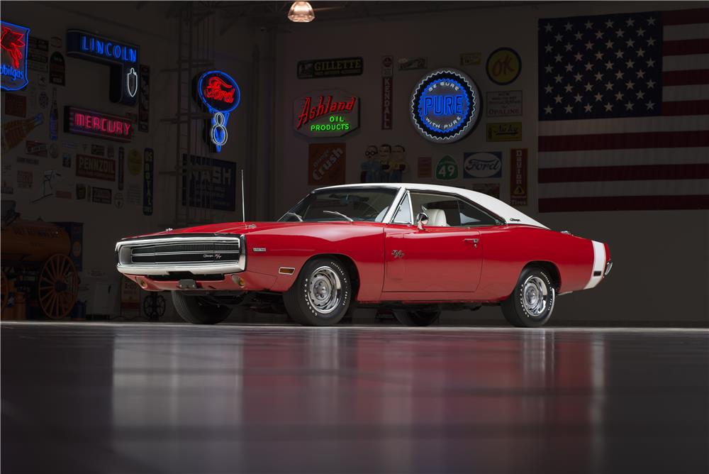 1970 DODGE HEMI CHARGER R/T - Front 3/4 - 178555