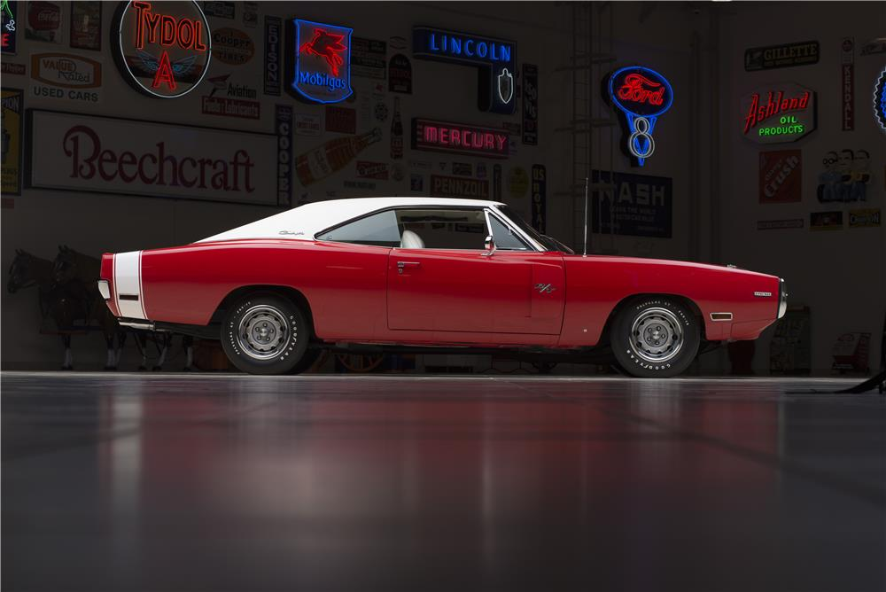 1970 DODGE HEMI CHARGER R/T - Side Profile - 178555