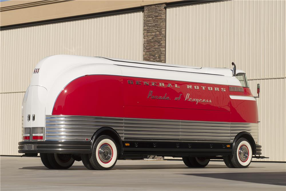1950 GENERAL MOTORS FUTURLINER PARADE OF PROGRESS TOUR BUS - Rear 3/4 - 178574