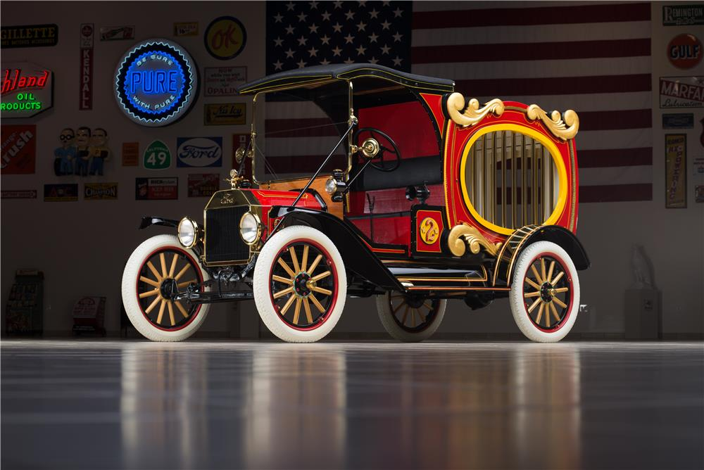 1915 FORD MODEL T CIRCUS WAGON - Front 3/4 - 178579
