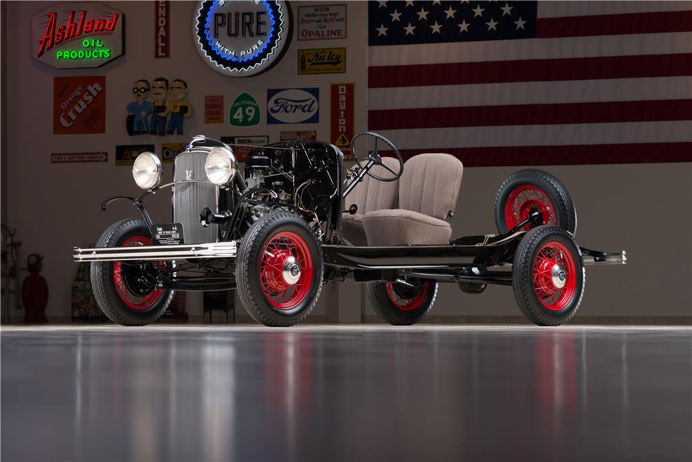 1932 FORD FACTORY SHOW CHASSIS - Front 3/4 - 178610