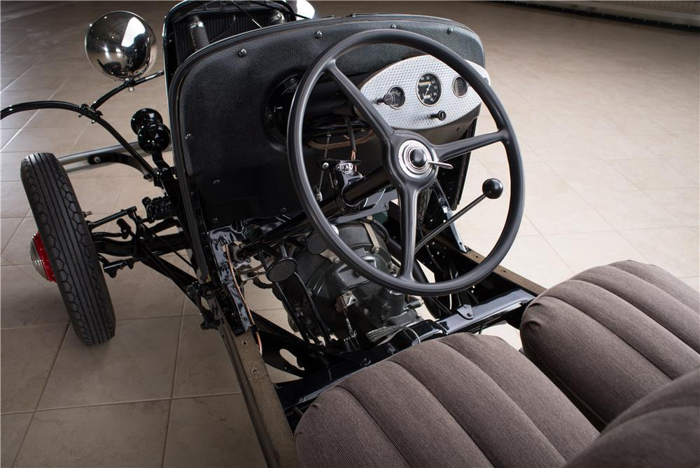 1932 FORD FACTORY SHOW CHASSIS - Interior - 178610