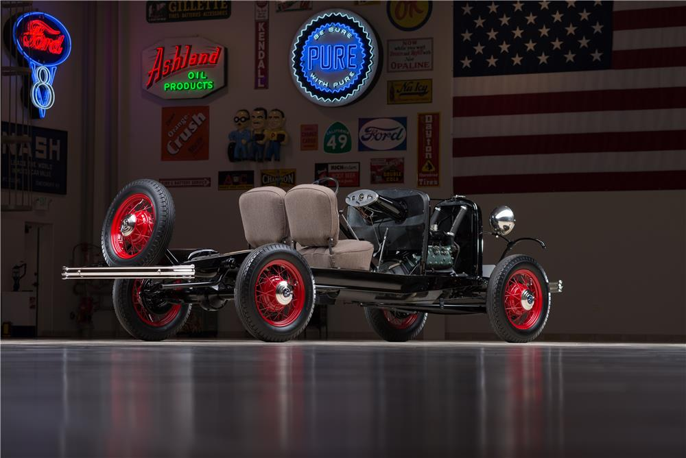 1932 FORD FACTORY SHOW CHASSIS - Rear 3/4 - 178610