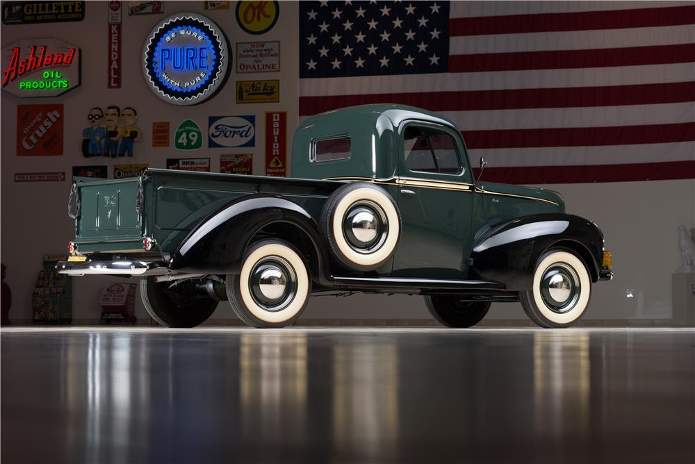 1940 FORD PICKUP - Rear 3/4 - 178614