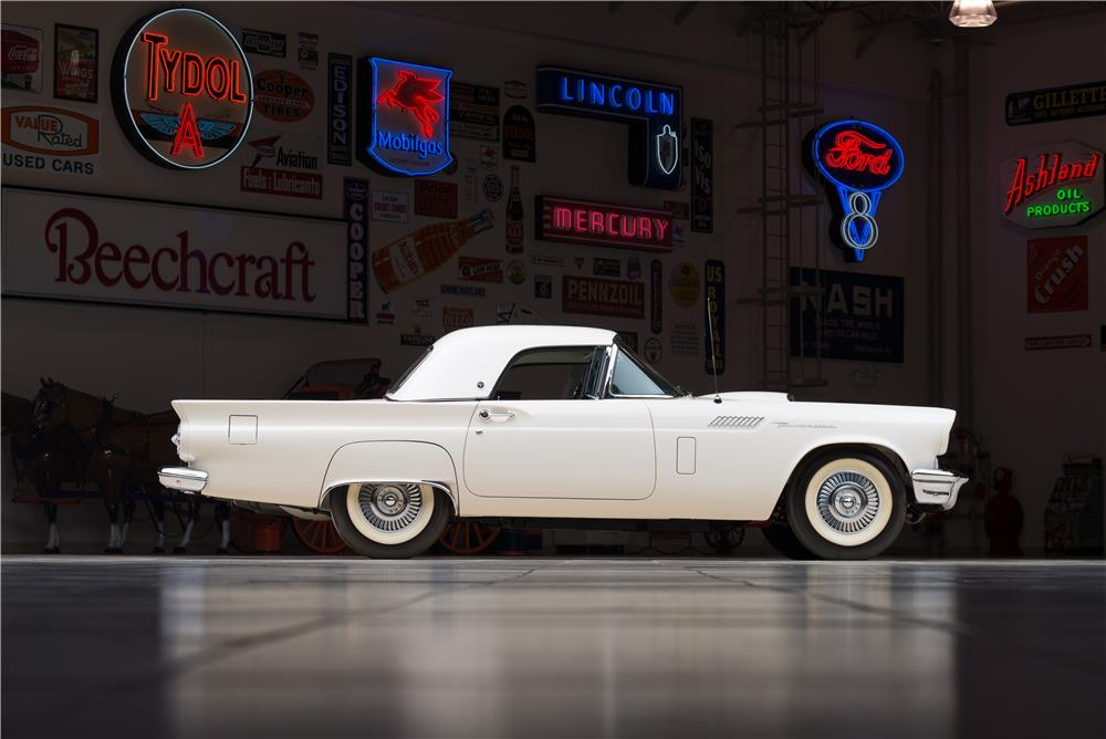 1957 FORD THUNDERBIRD 'F' CONVERTIBLE - Side Profile - 178617