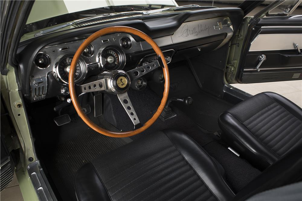1967 SHELBY GT500 FASTBACK - Interior - 178621