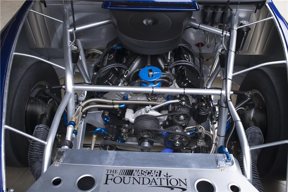 2013 FORD FUSION NASCAR RACE CAR - Engine - 178628