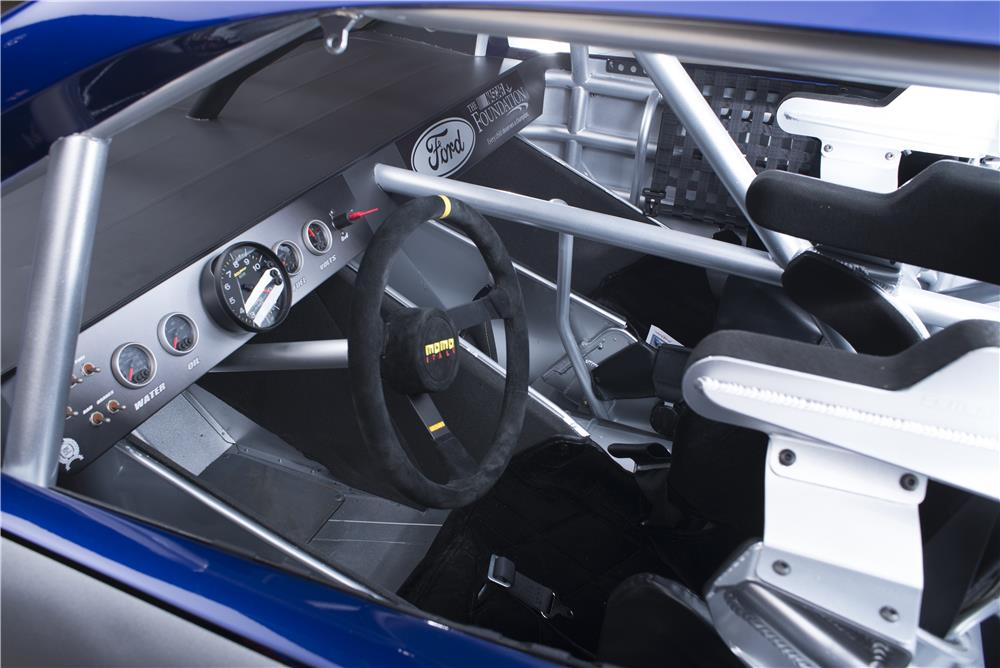 2013 FORD FUSION NASCAR RACE CAR - Interior - 178628