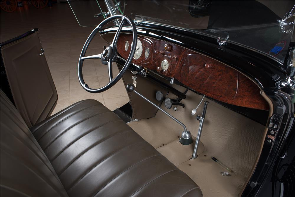 1934 FORD MODEL 40 DELUXE ROADSTER - Interior - 178656