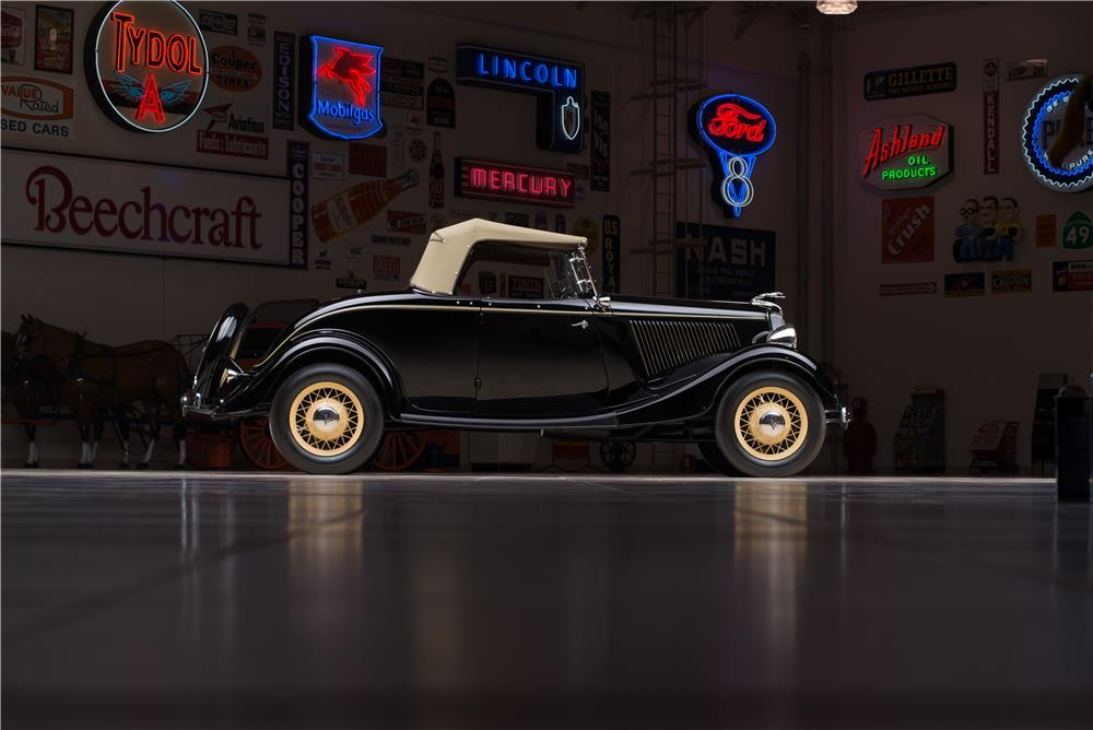1934 FORD MODEL 40 DELUXE ROADSTER - Side Profile - 178656
