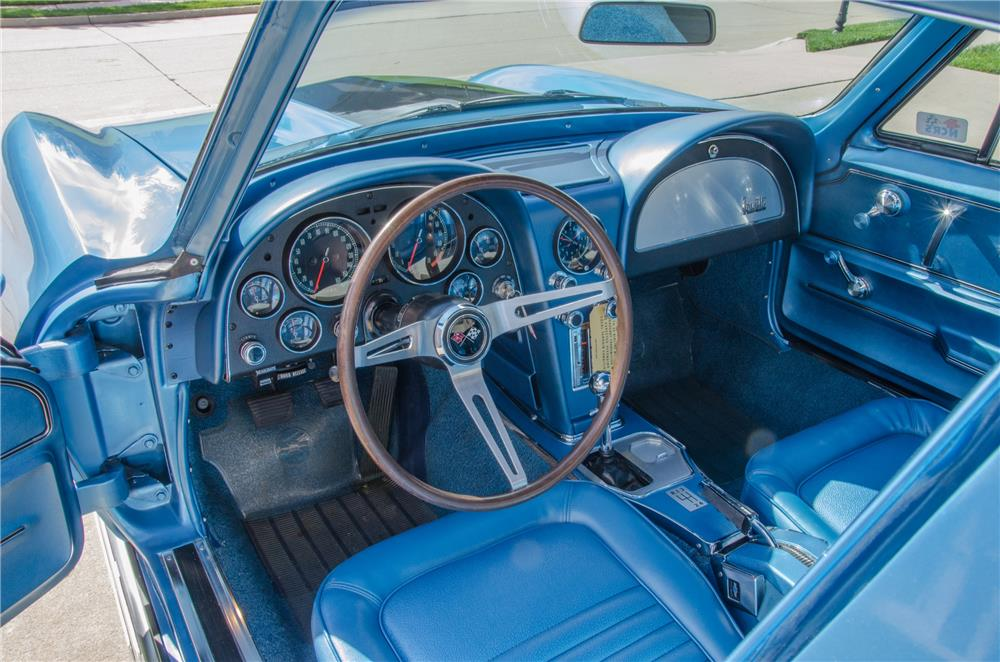 1967 CHEVROLET CORVETTE 427/435 - Interior - 178695