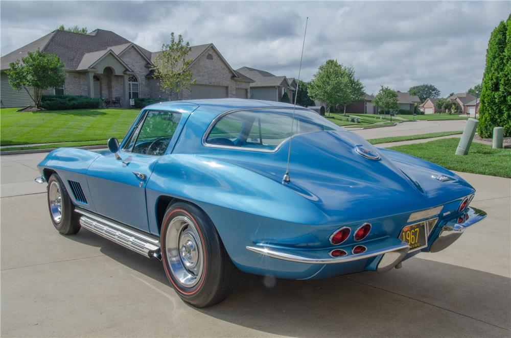 1967 CHEVROLET CORVETTE 427/435 - Rear 3/4 - 178695