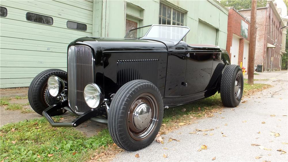 1932 FORD HI-BOY CUSTOM ROADSTER - Front 3/4 - 178715