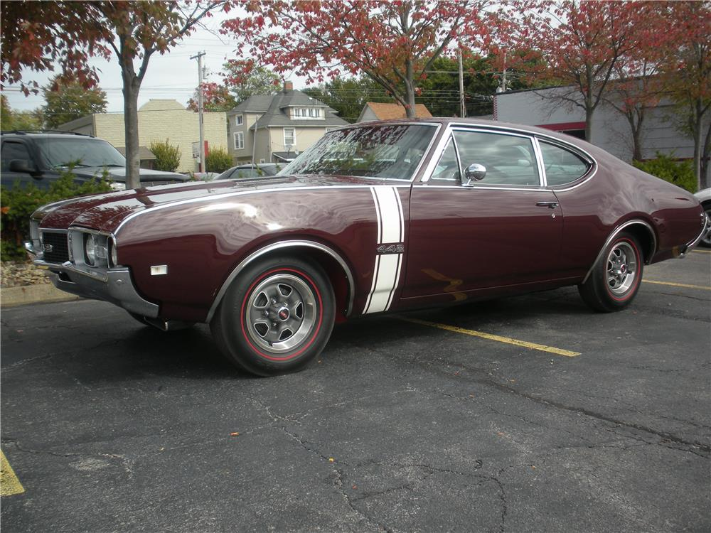 1968 OLDSMOBILE 442 - Front 3/4 - 179708
