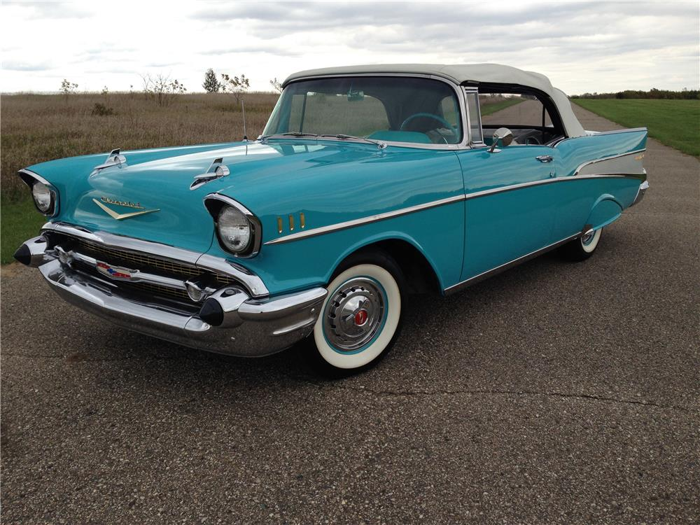 1957 CHEVROLET BEL AIR CONVERTIBLE - Front 3/4 - 179905