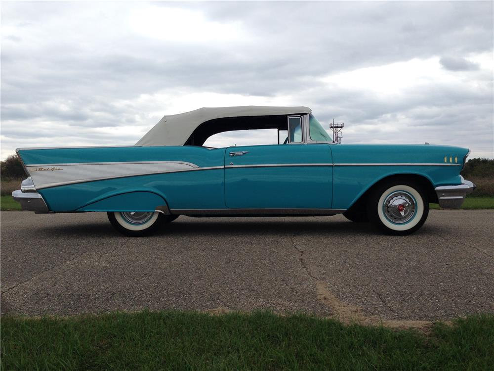 1957 CHEVROLET BEL AIR CONVERTIBLE - Side Profile - 179905