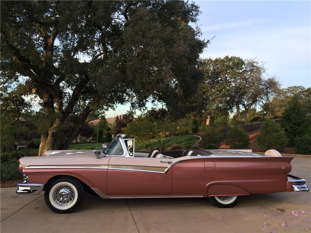 1957 FORD SKYLINER RETRACTABLE HARDTOP - Side Profile - 179981