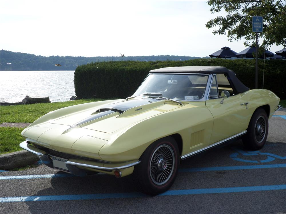 1967 CHEVROLET CORVETTE CONVERTIBLE - Rear 3/4 - 180006