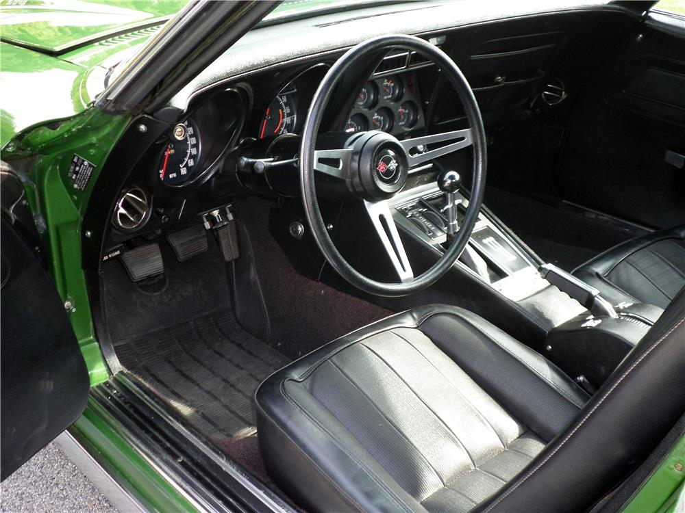 1972 CHEVROLET CORVETTE - Interior - 180011