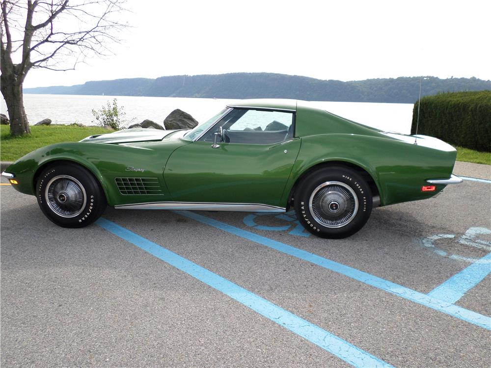 1972 CHEVROLET CORVETTE - Side Profile - 180011