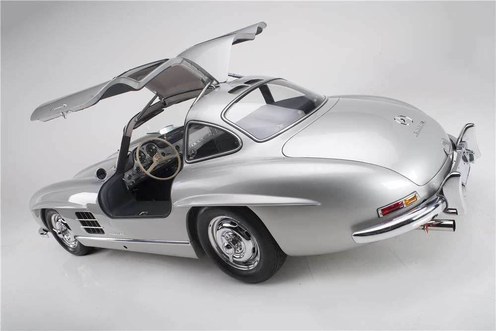 1955 MERCEDES-BENZ 300SL GULLWING - Rear 3/4 - 180023