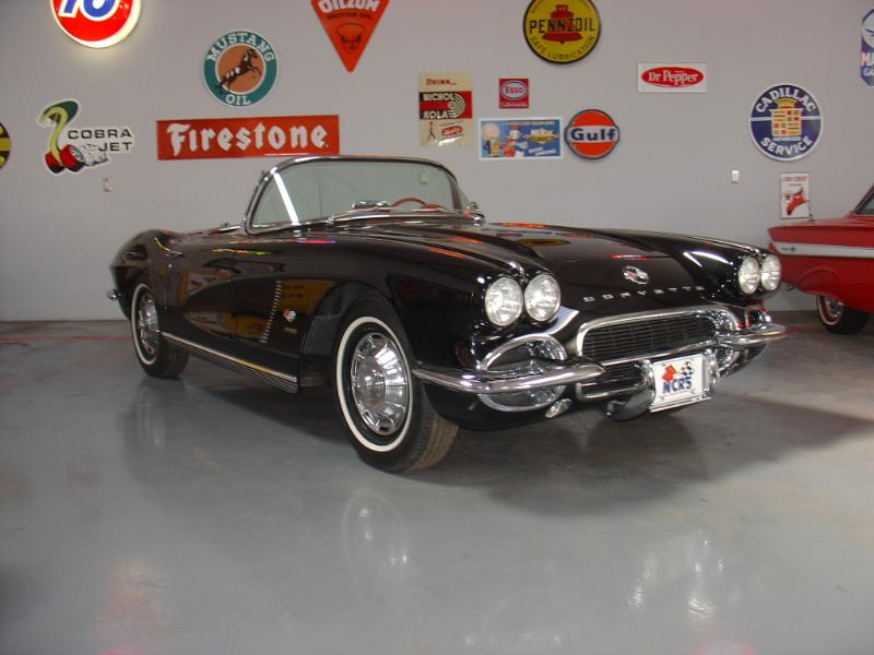 1962 CHEVROLET CORVETTE CONVERTIBLE - Front 3/4 - 180184