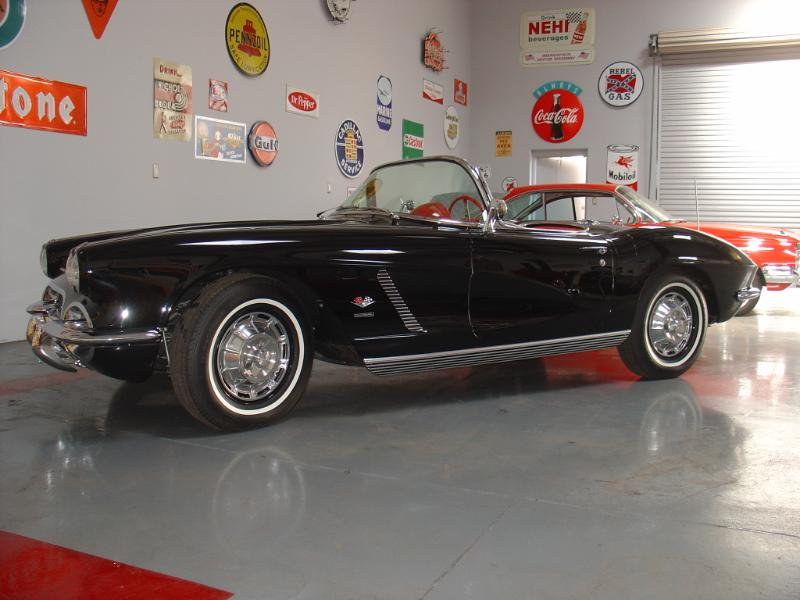 1962 CHEVROLET CORVETTE CONVERTIBLE - Side Profile - 180184