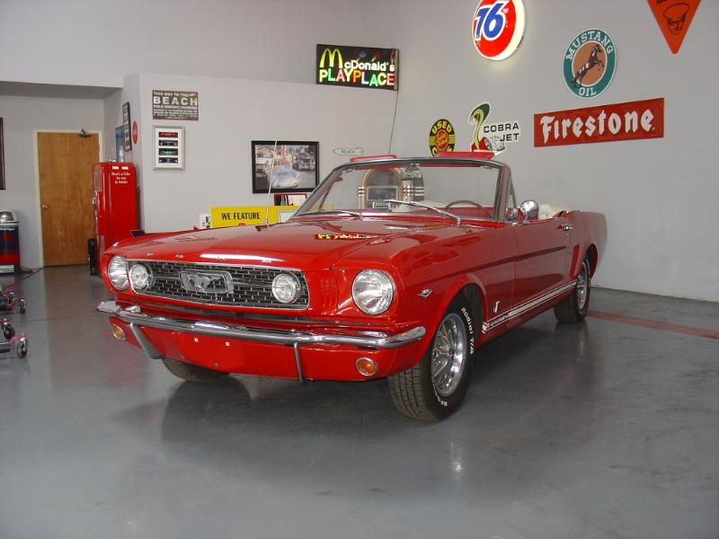 1966 FORD MUSTANG GT CONVERTIBLE - Front 3/4 - 180186