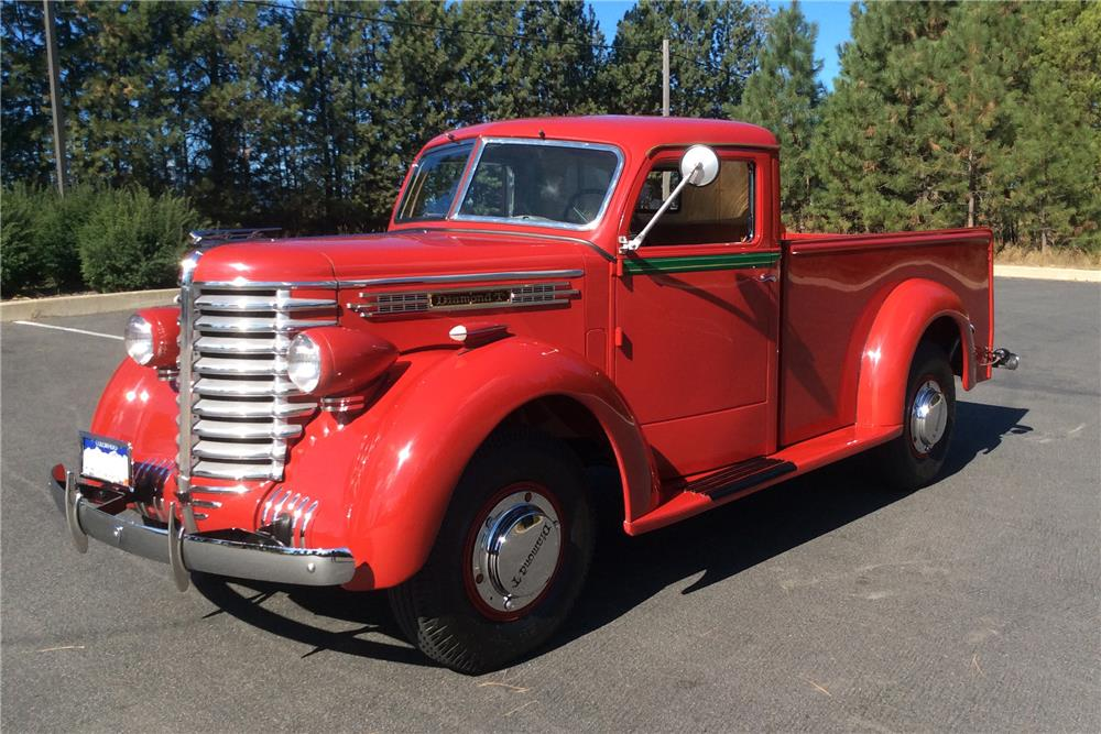 1941 DIAMOND T 201 PICKUP - Front 3/4 - 180194