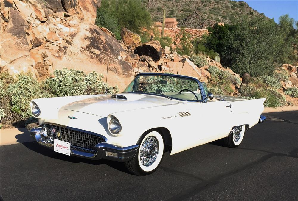 1957 FORD THUNDERBIRD CONVERTIBLE - Front 3/4 - 180240