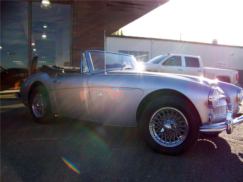 1964 AUSTIN-HEALEY 3000 MARK III BJ8 CONVERTIBLE - Front 3/4 - 180348