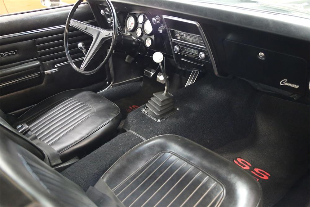 1968 CHEVROLET CAMARO CUSTOM - Interior - 180363
