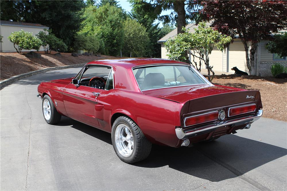 1967 FORD MUSTANG CUSTOM - Rear 3/4 - 180485