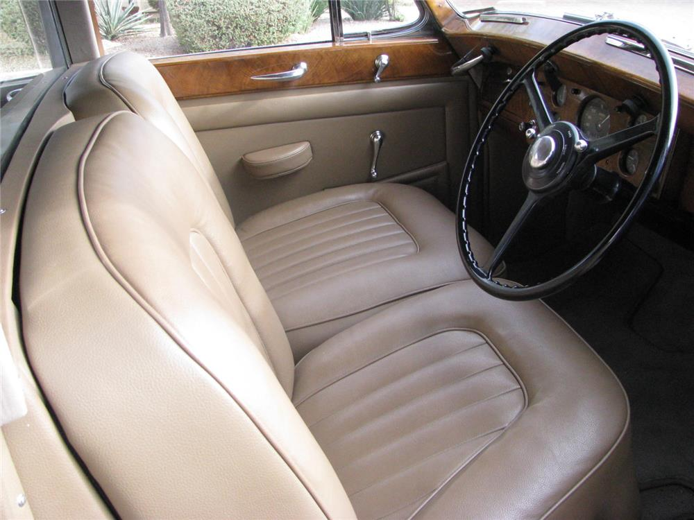 1951 ROLLS-ROYCE SILVER WRAITH 4 DOOR SEDAN - Interior - 180509